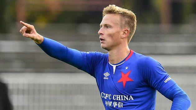 Antonín Barák ze Slavie oslavuje gól.