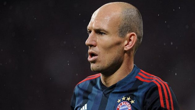 Arjen Robben prodloužil v Bayernu smlouvu do konce června 2019.
