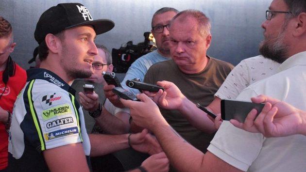 Karel Abraham v rozhovoru s novináři před domácí Grand Prix.