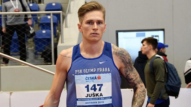 Dálkař Radek Juška při mistrovství republiky v Ostravě.