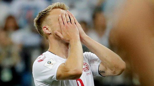 Dánský fotbalista Nicolai Jörgensen dostal přes facebook a instagram několik výhrůžek smrtí kvůli tomu, že v osmifinálovém utkání s Chorvatskem na mistrovství světa neuspěl jako poslední v penaltovém rozstřelu.