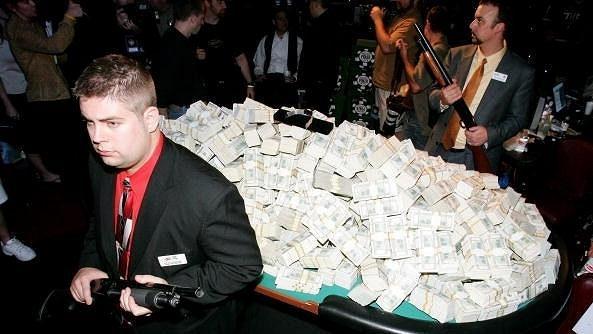 Zájem o historicky největší pokerový turnaj má i český hráč Martin Kabrhel. Na vítěze čeká pohádková výhra.