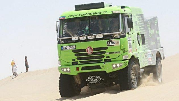 Tatra Martina Kolomého nakonec dokončila Rallye Dakar na pátém místě. Válka mezi týmem Bonver a Alešem Lopraisem ale pokračuje.