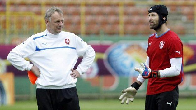 Trenér brankářů Jablonce i reprezentace Jan Stejskal (vlevo)