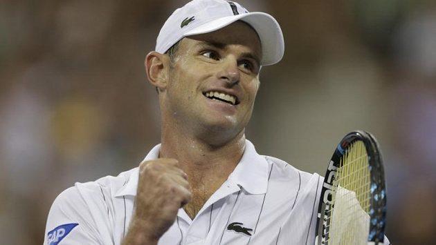 Andy Roddick si to na kurtu užíval.