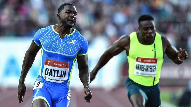 Sprinter Justin Gatlin ovládl Zlatou tretru časem 9,86.