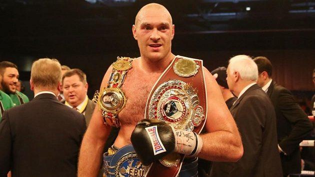 Britský obr Tyson Fury se dočká vytoužené bitvy s Vladimirem Kličkem.