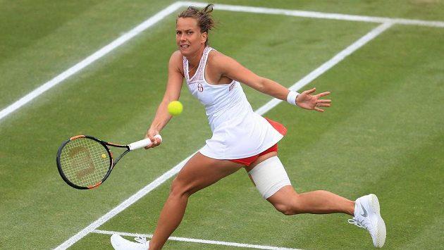 Barbora Strýcová v semifinálovém duelu proti Američance Coco Vandewegheové.