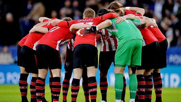 Southampton přikročil k odkladu platů hráčů a zaměstnanců.