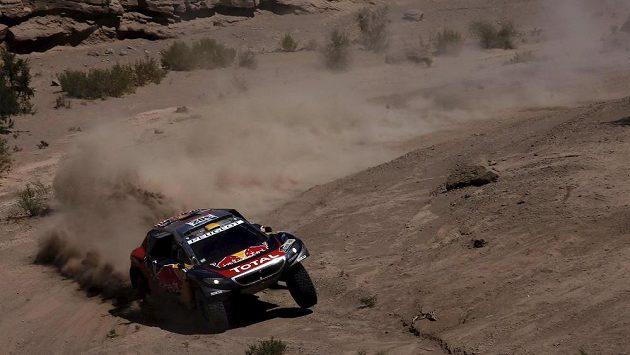 Francouz Stéphane Peterhansel míří za 12. titulem z Rallye Dakar.