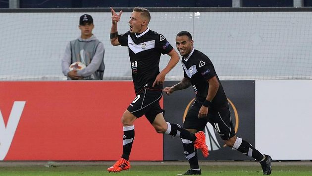 Luganský Mattia Bottani oslavuje gól proti Plzni.