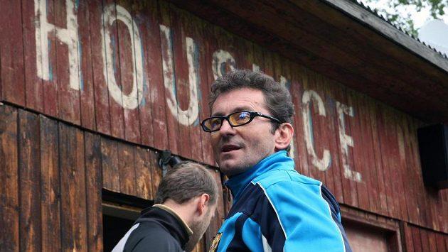 Ondřej Vetchý hrál v serialu a filmu Okresní přebor fanatického trenéra Jirku Luňáka zvaného Jiřina.