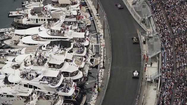 Jezdci formule 1 si stěžují na Velkou cenu Monaka.