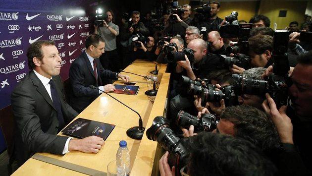 Sandro Rosell (vlevo) právě oznámil svou rezignaci.