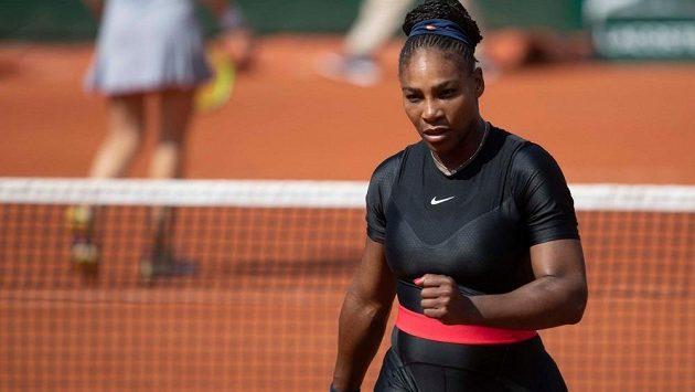 V tomto oděvu se Serena Williamsová proháněla na French Open