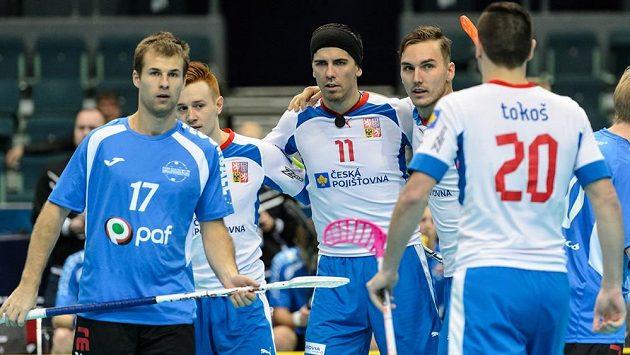 Tomáš Sladký (v čelence) spolu s českým triem z Dalenu, zleva Patrik Suchánek, Milan Tomašík a Martin Tokoš.