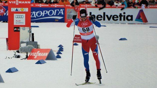 Dušan Kožíšek si sprintuje pro desáté místo ve švýcarském Davosu.