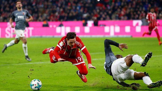 Bayern Mnichov porazil v Bundeslize Augsburg 3:0 a pokračuje ve vítězné šňůře.