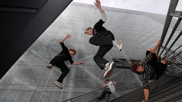 Le Parkour, nebo Freerunning?