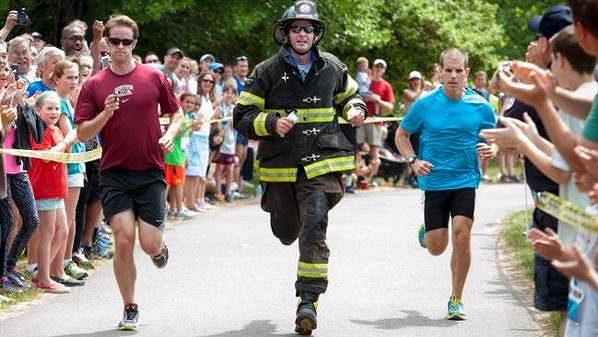 Poručík Brendan Corcoran při svém rekordním běhu na jednu míli.