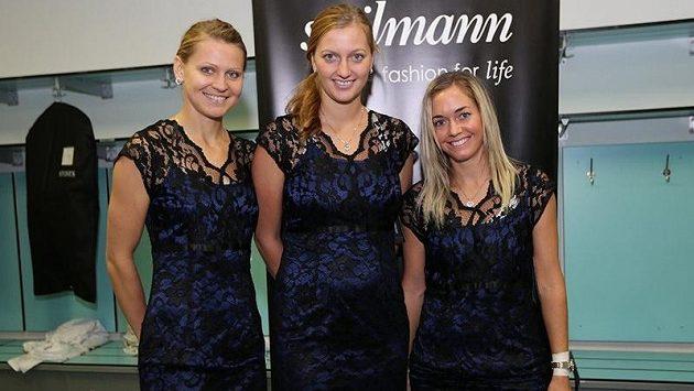 České tenistky Lucie Šafářová (vlevo), Petra Kvitová a Klára Zakopalová.