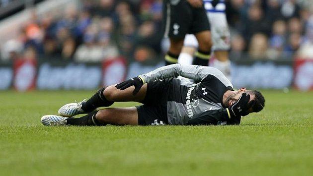 Záložník Sandro si po zranění kolena ve zbytku sezóny za Tottenham nezahraje.