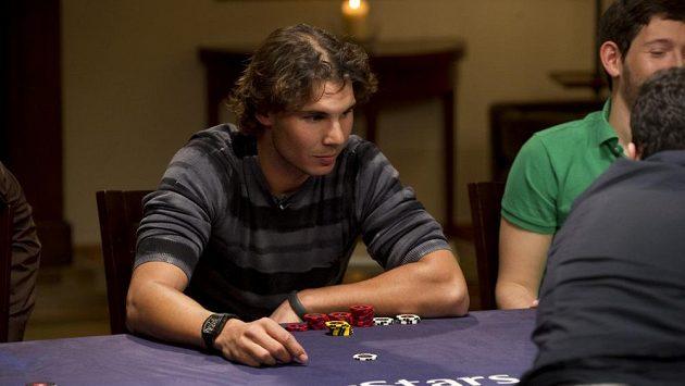 Rafael Nadal o pokerového stolu