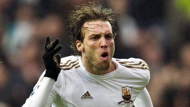Španělský útočník ve službách Swansea Michu.
