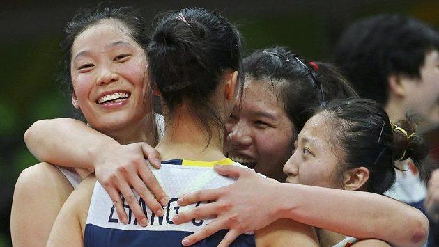 Volejbalistky Číny slaví postup do finále olympijských her.