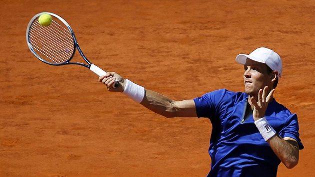 Tomáš Berdych na turnaji v Madridu skončil ve čtvrtfinále na raketě domácího favorita Rafaela Nadala.