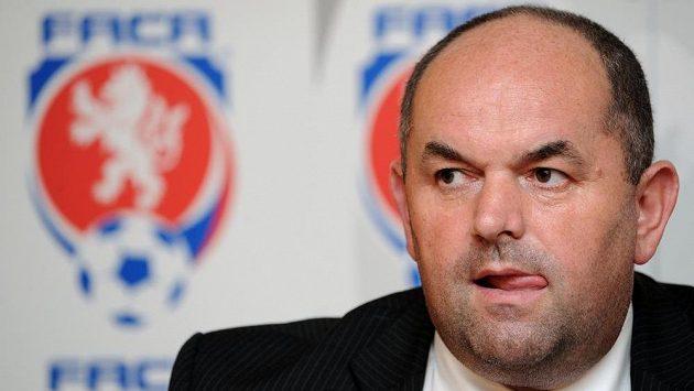 Přijde velký třesk, slíbil Miroslav Pelta hráčům po setkání s radou starších.