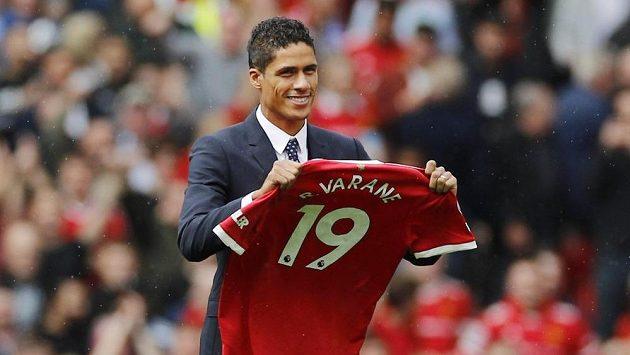 Raphaël Varane už je hráčem Manchester United