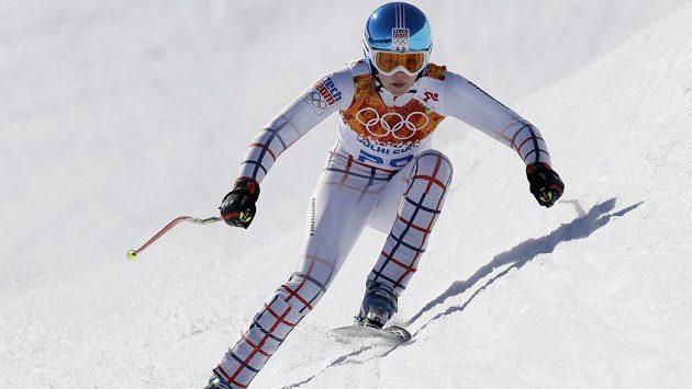 Lyžařka Klára Křížová na trati olympijského sjezdu.