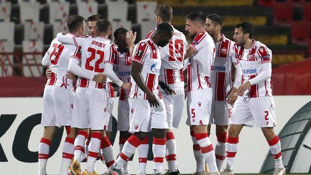 Radost fotbalistů CZ Bělehrad z gólu proti Liberci.