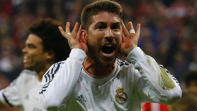 Jásající Sergio Ramos, autor prvních dvou gólů Realu Madrid v odvetě semifinále LM na hřišti Bayernu.