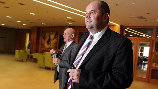 Předseda FAČR Miroslav Pelta údajně konečně vyřešil spor ohledně tří Bohemek.