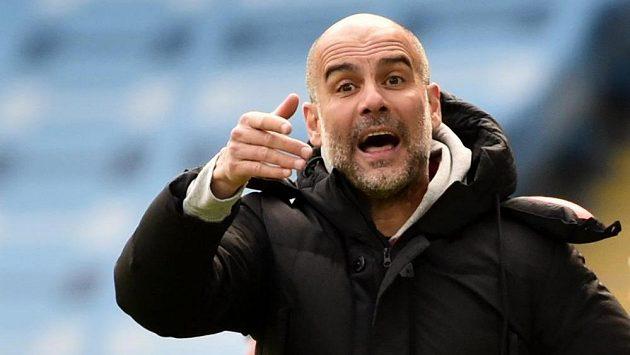 Trenér anglického klubu Pep Guardiola byl pořádně rozčílený.