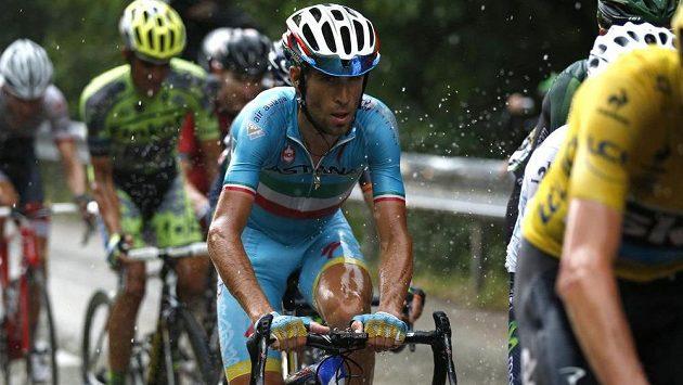 Italský cyklista Vincenzo Nibali na Tour de France nezáří.