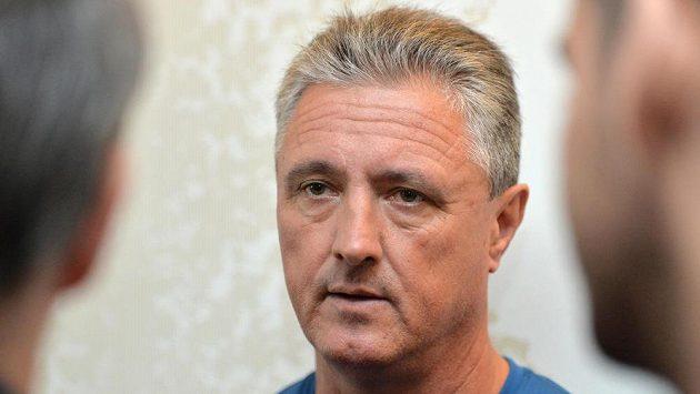 Nehrající kapitán českého daviscupového týmu Jaroslav Navrátil.