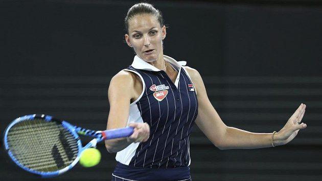 Karolína Plíšková v semifinále turnaje Brisbane s Naomi Ósakaovou.
