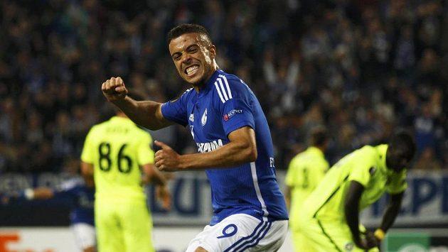 Franco Di Santo ze Schalke se raduje z gólu proti Asterasu Tripolis.