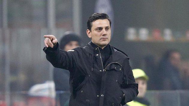 Kouč AC Milán Vincenzo Montella.