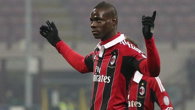 Mario Balotelli opět zářil a zařídil vítězství AC Milán, tentokrát nad Parmou.