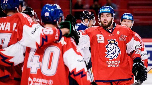 Bratři Zohornové se radují z vítězství nad Finskem ve svém druhém vystoupení na Švédských hrách ve Stockholmu.