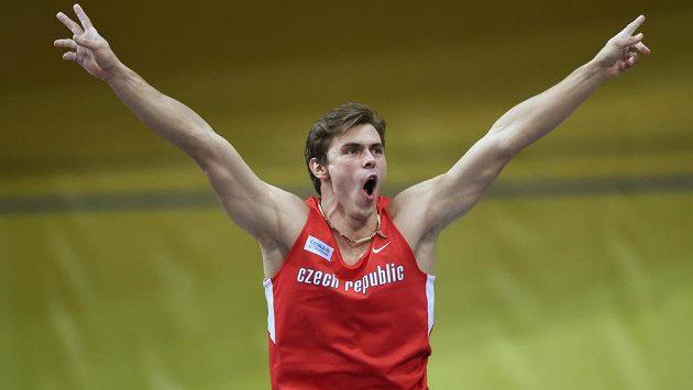 Radost Adama Sebastiana Helceleta během halového mistrovství Evropy v atletice.