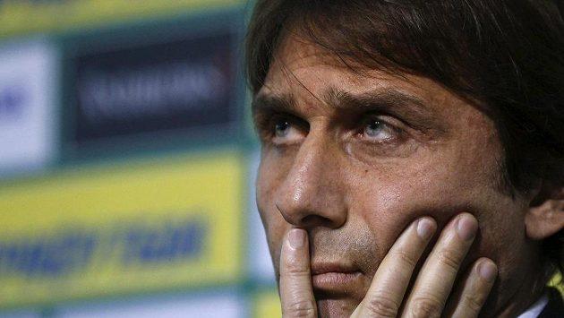 Kouč Italů Antonio Conte na tiskové konferenci před utkáním s Bulhary.