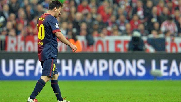 Barcelonský Lionel Messi opouštěl mnichovský trávník neskonale zklamaný.