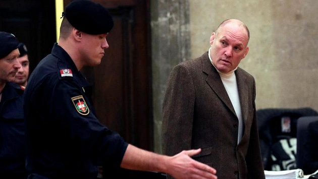 Dvojnásobný olympijský vítěz v judu Rakušan Peter Seisenbacher byl odsouzen k pěti letům odnětí svobody.