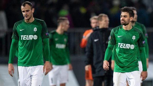 Fotbalisté Jablonce (zleva): David Lischka, David Hovorka a Michal Trávník
