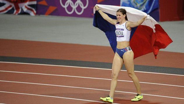 Zuzana Hejnová se raduje ze zisku bronzové medaile.